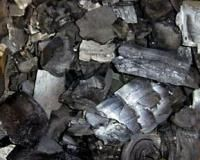 Деревне вугілля охоронить коріння рослин від загнивання