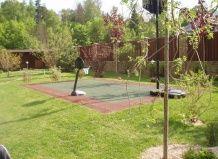 Спортивні майданчики в саду