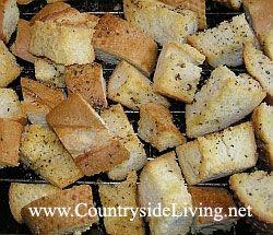 Сухарики (грінки, крутони) часникові домашні