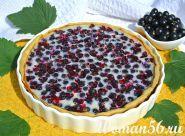 Торт з ягодами смородини