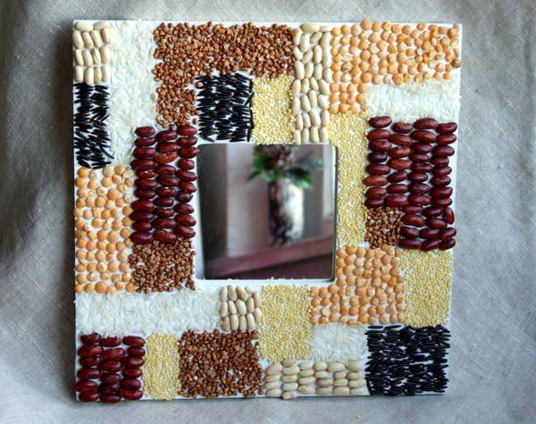 Рама з декором з насіння