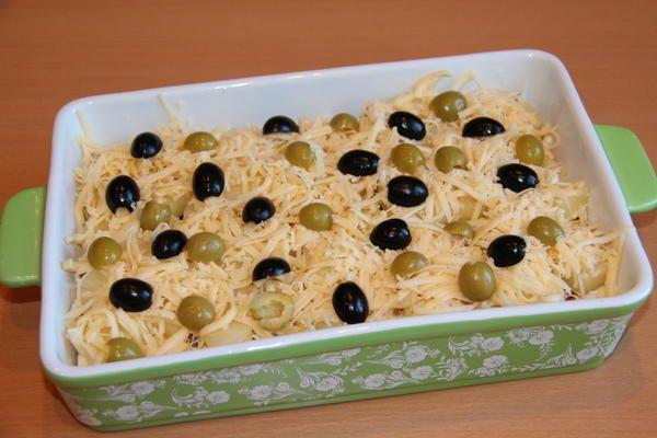 сир, маслини і оливки